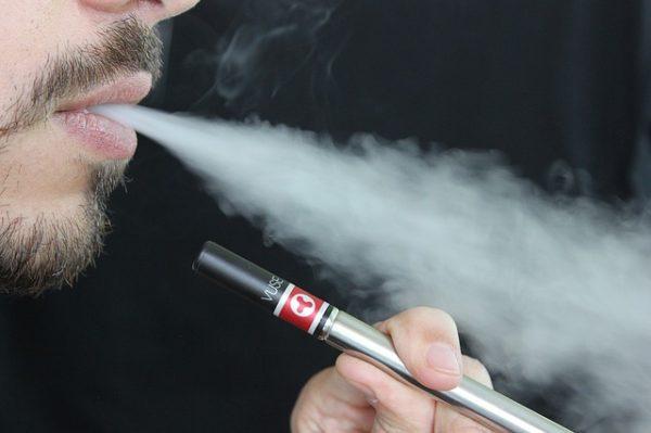 e-cigarette-1301670_640